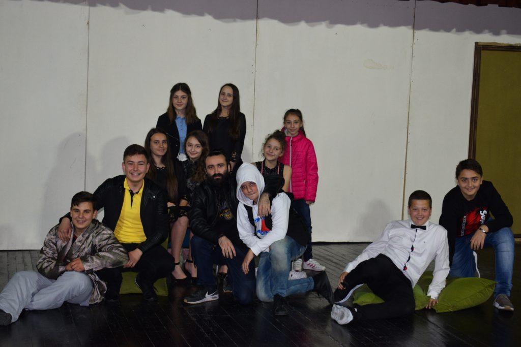 """Komedia e Molierit """"I sëmuri për mend"""" organizuar nga nxënësit e SHFQ """"Sande Shterjoski"""" Kërçovë"""