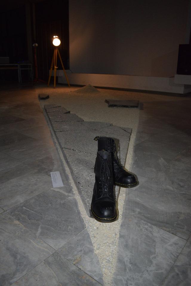 Изложба Сенки –други видувања од/на Улица од Виктор Темелкоски