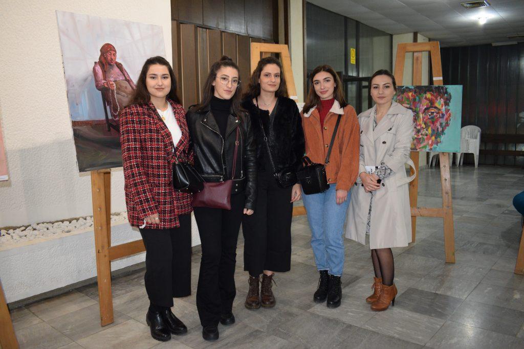 Еkspozitë nga piktorët e rinj kërçovar